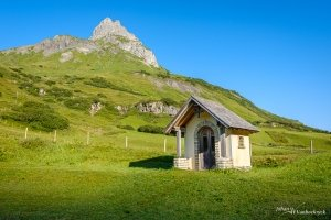 A little chapel at the foot of the mountain in Zürs, Austria